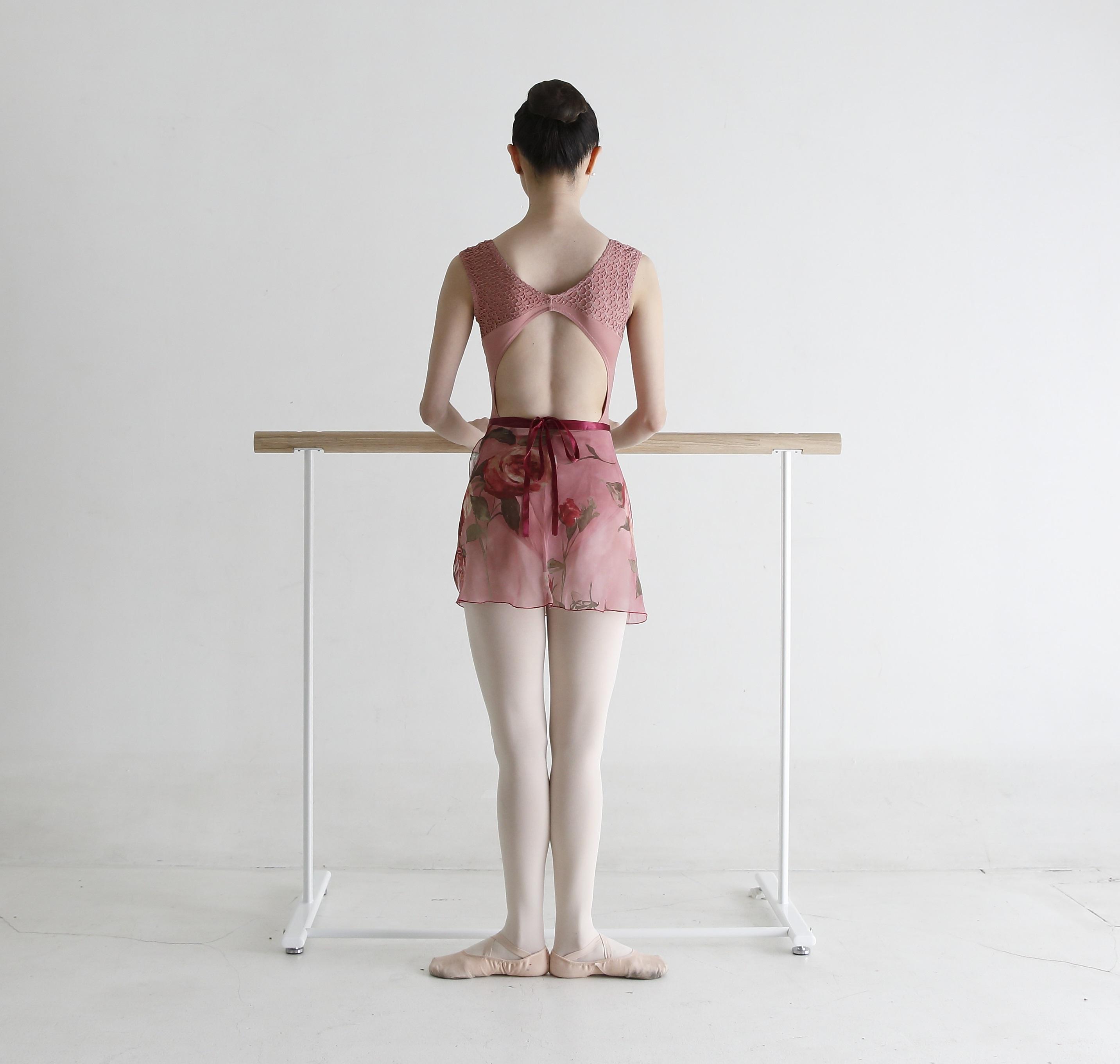 股関節から正しく脚を開き、表現の幅を広げる!「バレエのための解剖学-ターンアウト-」