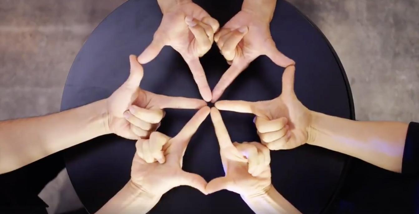 指で魅せるフィンガータット動画が驚きの再生回数!今注目のグループ『XTRAP(エクストラップ)』
