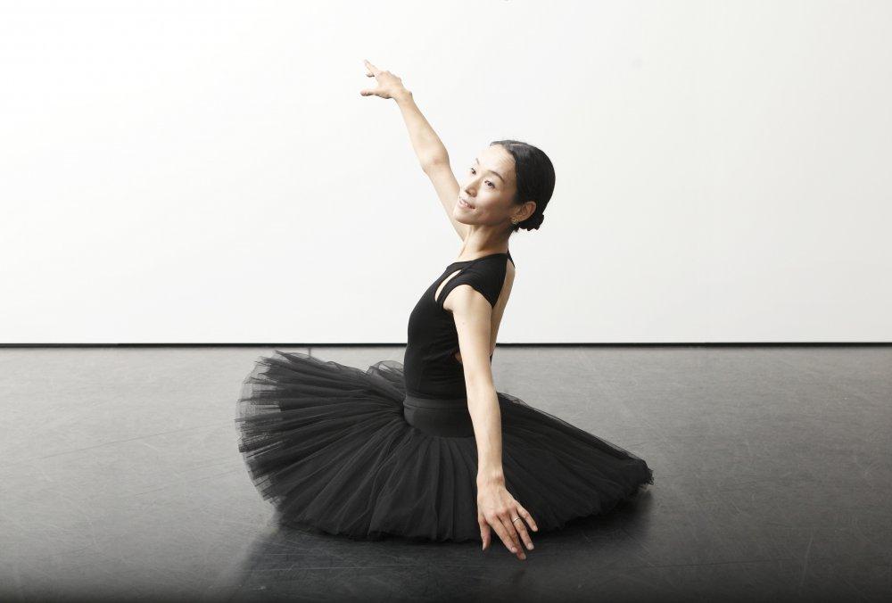 筋肉を固めずに肩甲骨から腕を動かす「バレエのための解剖学-肩甲骨編-」