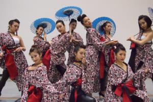 記事「世界初のLED扇子を使用!! 『新井風味』の和風ダンスPVが公開!」の画像