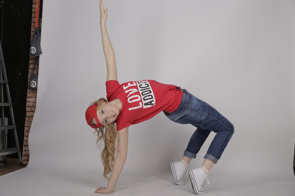 記事「ダンスを始めたいけれど体がかたい!こんな私は無理?」の画像