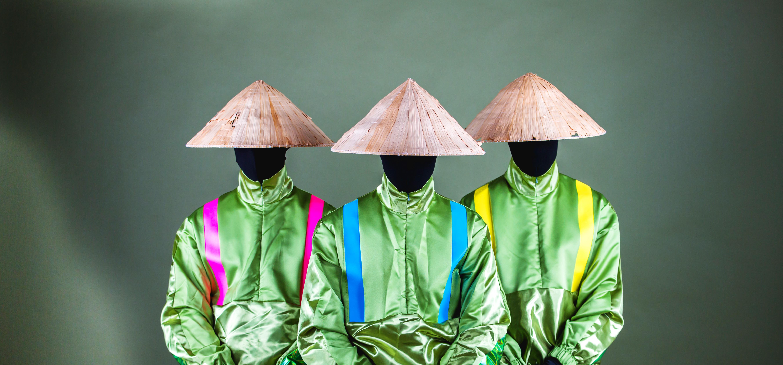 """記事「謎のダンスクルー「The Strawhatz」2ndシングル """"Power UP!""""をリリース!MVにはあのお笑い芸人が登場!」の画像"""