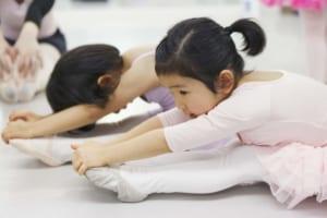 記事「バレエは何歳から習わせるべき?お教室探し3つのポイント」の画像