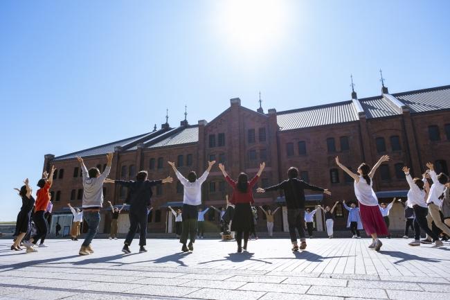 記事「歴史×未来 横浜を代表する観光・文化スポット、横浜赤レンガ倉庫のオリジナルダンスの映像を配信開始!」の画像