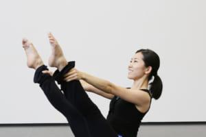 記事「お腹から足を持ち上げるってどういうこと?「バレエのための解剖学-腸腰筋編-」」の画像
