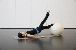 記事「「バレエのための解剖学-腸腰筋編-」ピンポイントストレッチ講座」の画像